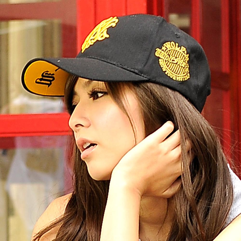 太妃糖 韓版街頭嘻哈刺繡棒球帽(黑)