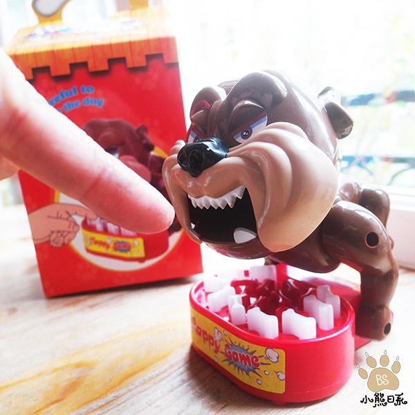 小熊日系* 小心惡犬壓骨頭遊戲 壓骨頭 內有惡犬 家有惡犬 猛犬注意 聚會遊戲 派對遊戲 玩具 桌遊