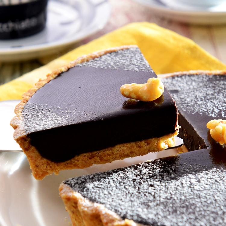 【美地瑞斯】純巧克力派 6派→使用大量德國進口70%LUBECA黑巧克力,最純粹的巧克力口感,要給最愛吃巧克力的惡魔們。