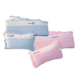 【悅兒樂婦幼用品?】Puku 藍色企鵝 嬰兒床護圍枕頭組
