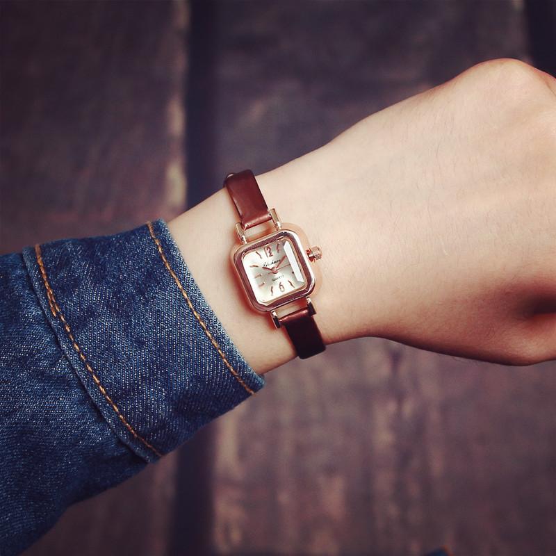 韓國復古漆皮秀氣小方錶
