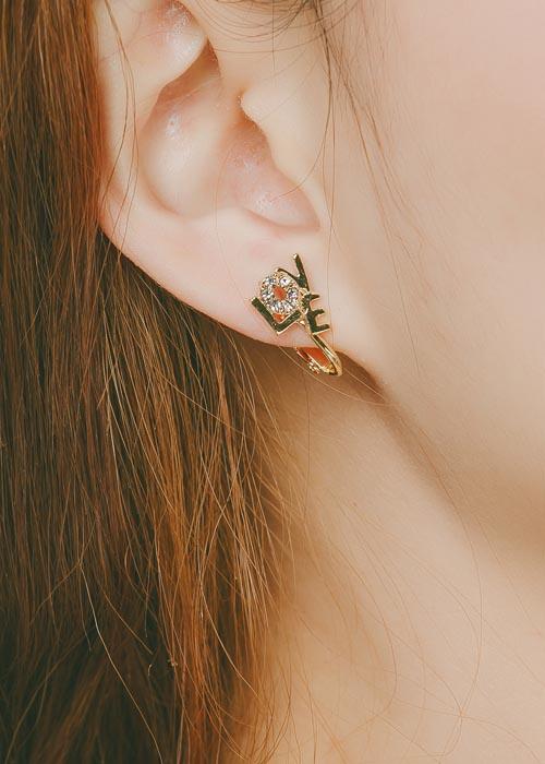 韓國飾品,貼耳耳環,文字元素耳環,Love字樣耳環,夾式耳環