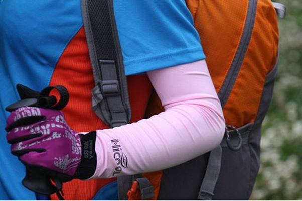 【抗UV冰絲涼感防曬袖套】彈性 抗UV 防風 防曬 萊卡袖套 (加長版+指洞防滑設計)