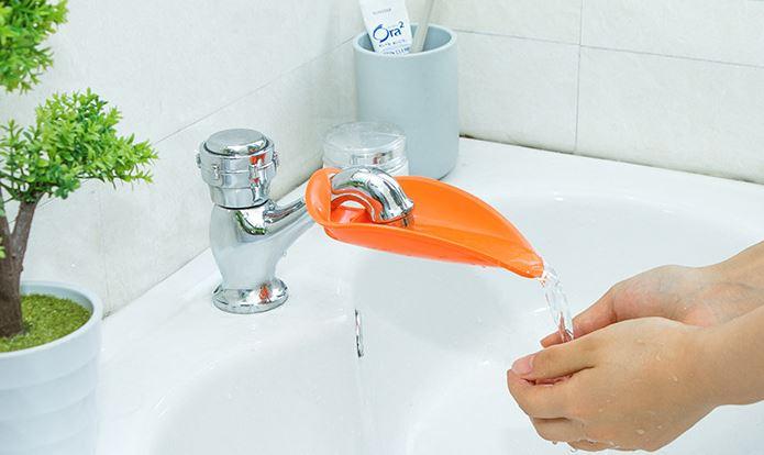 鴨嘴造型加長水龍頭延伸器寶寶兒童導水槽洗手器  19元