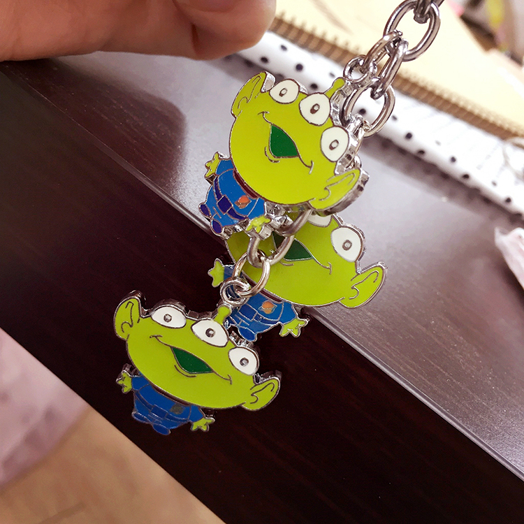PGS7 日本迪士尼系列商品 - 三眼怪 Alien 鐵片 鑰匙圈 玩具總動員 胡迪 巴斯 Disney 外星人 Toy