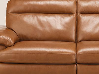整座沙發使用厚度約1.3~1.5mm的義大利中厚度熟皮