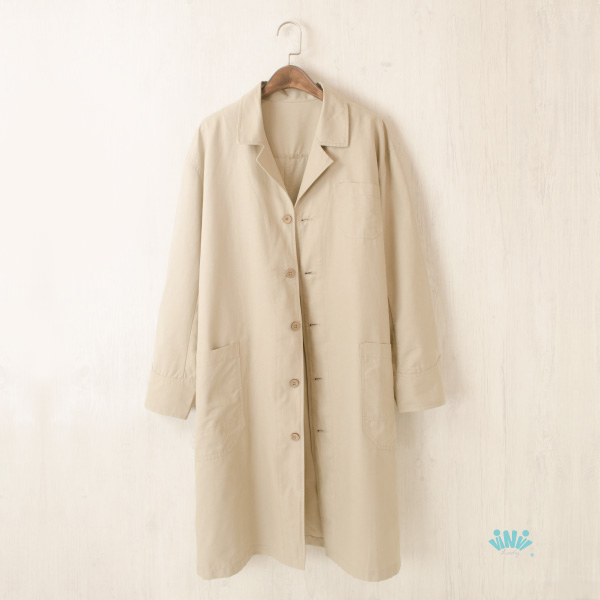 viNvi Lady 簡約寬版大口袋棉質長版風衣 薄外套 薄大衣