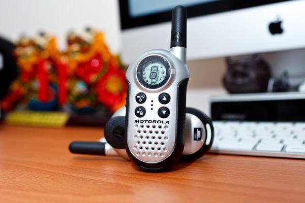 【 T4 】MOTOROLA 迷你造型無線遠距離對講機 T4【一組2隻】