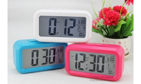 自動感光聰明鐘超大屏LCD顯示電子鬧鐘(顏色隨機出貨)
