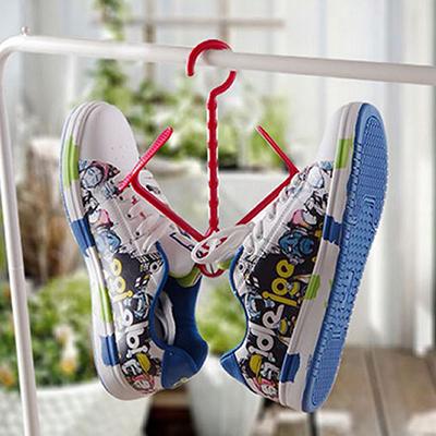 實用多功能曬鞋架可折疊活動式曬協掛勾 懸掛式鞋架 顏色隨機【省錢博士】  19元