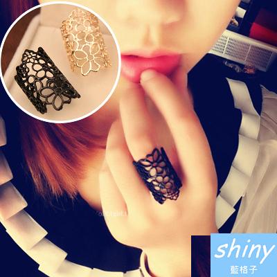 【50A22】shiny藍格子-無造經典.歐美時尚鏤空蕾絲花朵戒指